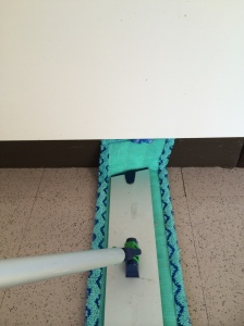 Using the mop pad off centre means you can clean skirting boards easily!
